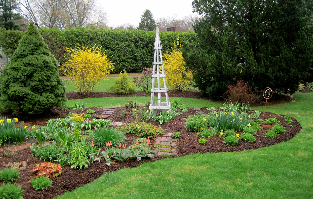 The Kidney Garden Has Grown Over The Years To Its Current Size Of 28u0027 Long  And 24u0027 Deep. It Has Always Had Small Access Paths So That I Would Not Have  To ...