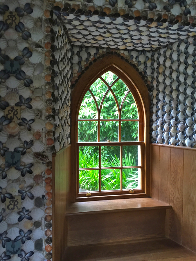 The Memorial Pavilion within the Queen Mother's Garden is decorated with shells collected by schoolchildren from around Scotland. The ceiling is lined with pine cones from RBGE's gardens.