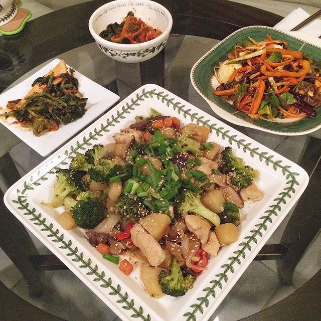 Improvised #닭찜 recipe & #쟁반국수. #홈쿡 #저녁 #homecook #homemade #cooking #onmytable #banchan #koreanfood #noms #foodporn #foodie