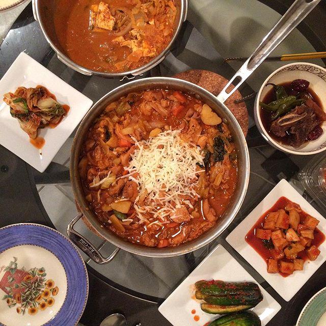 #닭갈비 roughly based on @maangchi 's recipe 😋 #저녁 #밥상 #집밥 #요리 #홈메이드 #먹스타크램 #홈쿡 #저녁 #homecook #homemade #cooking #onmytable #banchan #koreanfood #noms #foodporn #foodie #eeeeeats