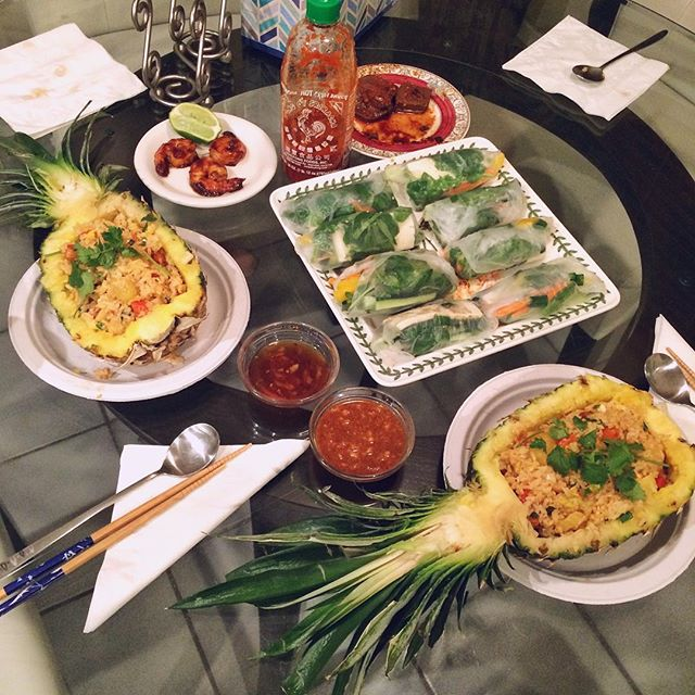 Thai food night! #pineapplefriedrice and #springrolls. 'Twas too much work for a meal that was gobbled up in 10 minutes but the pineapple boat idea was fun 🍍 #요리 #집밥 #저녁 #홈메이드 #먹스타그램 #cooking #foodporn #foodie #onmytable #thaifood #eeeeeats