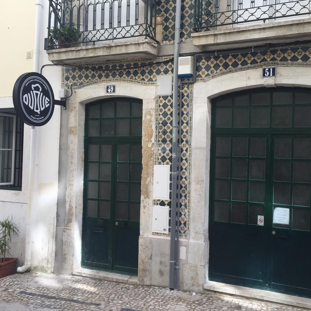 cityguds bar duque local beer Lisbon hello getaway cityguide