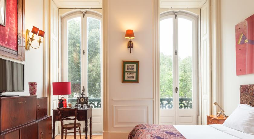 The independent hostel and suites city guide Lisbon hellogetaway weekend