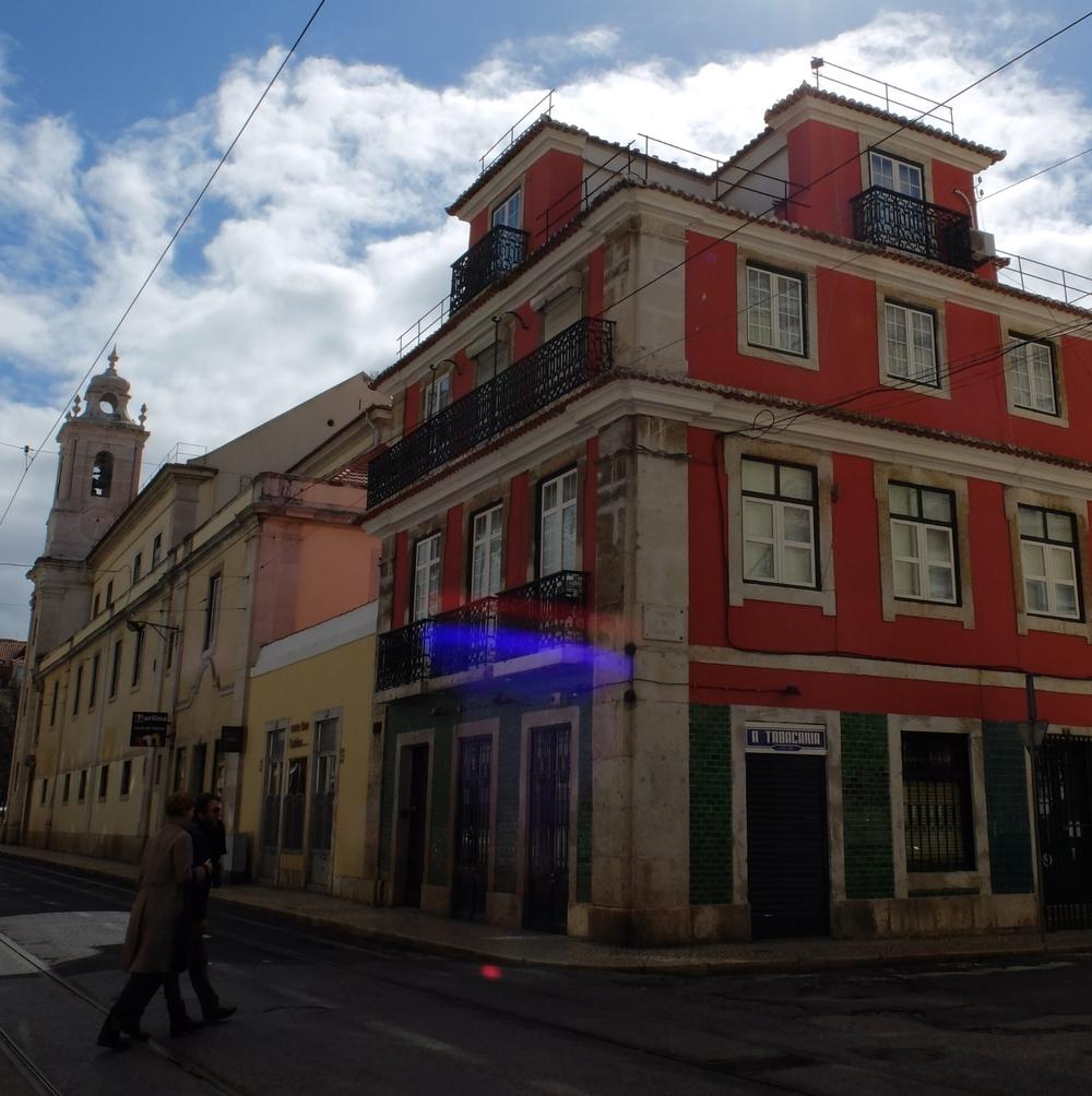 hello getaway cityguide A tabacaria bar Lisbon