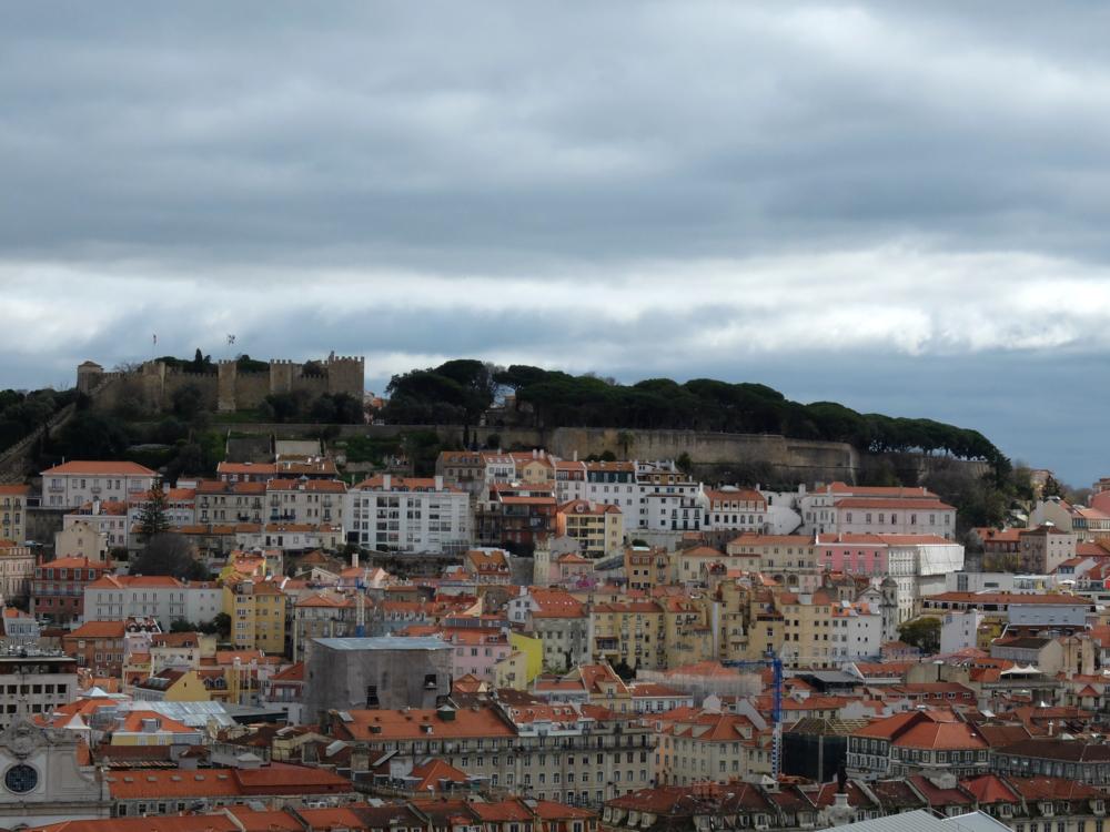 castello sao jorge lisbon portugal weekend history hello getaway