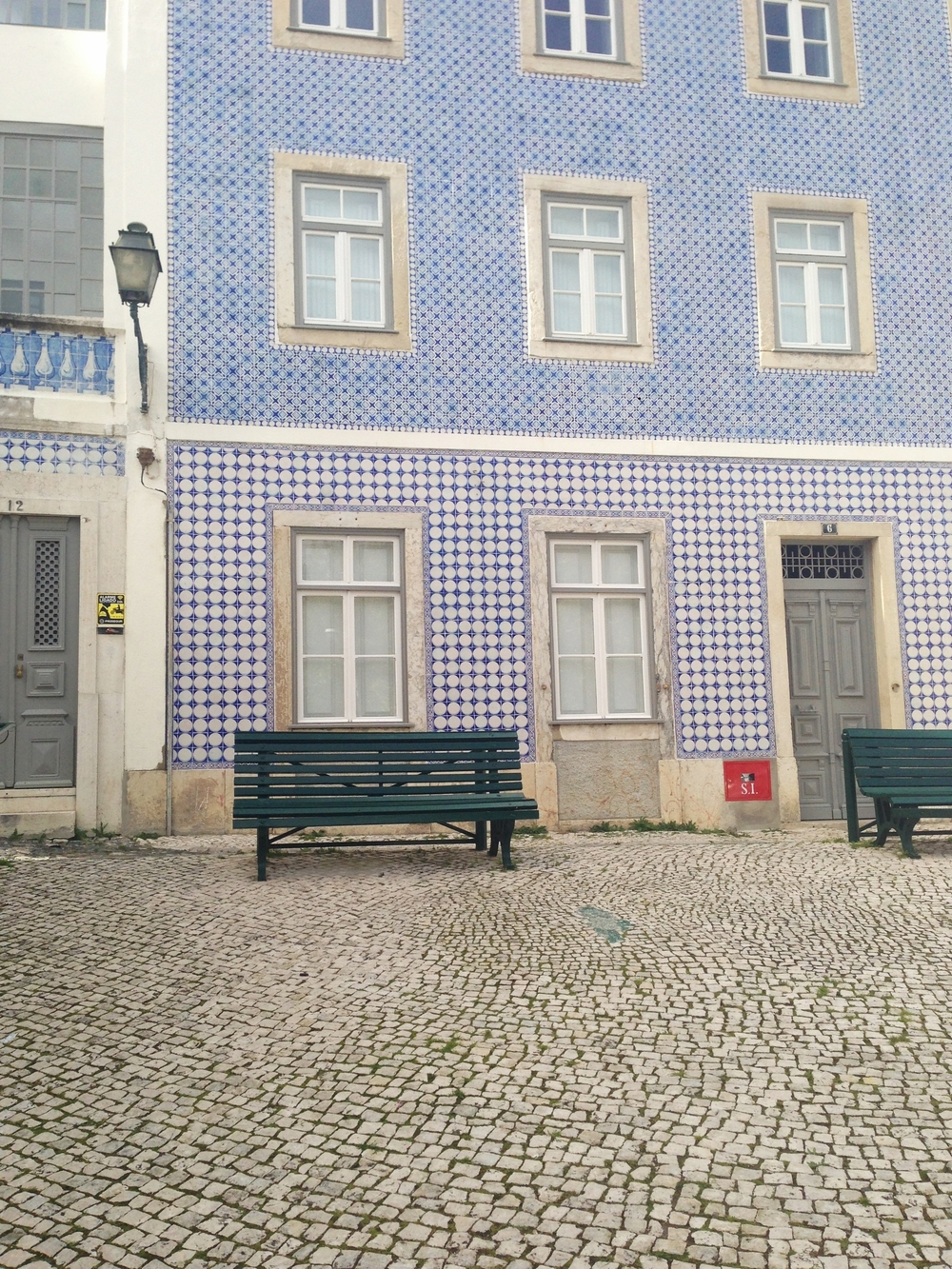 blue tiles alfama hello getaway cityguide Lisbon