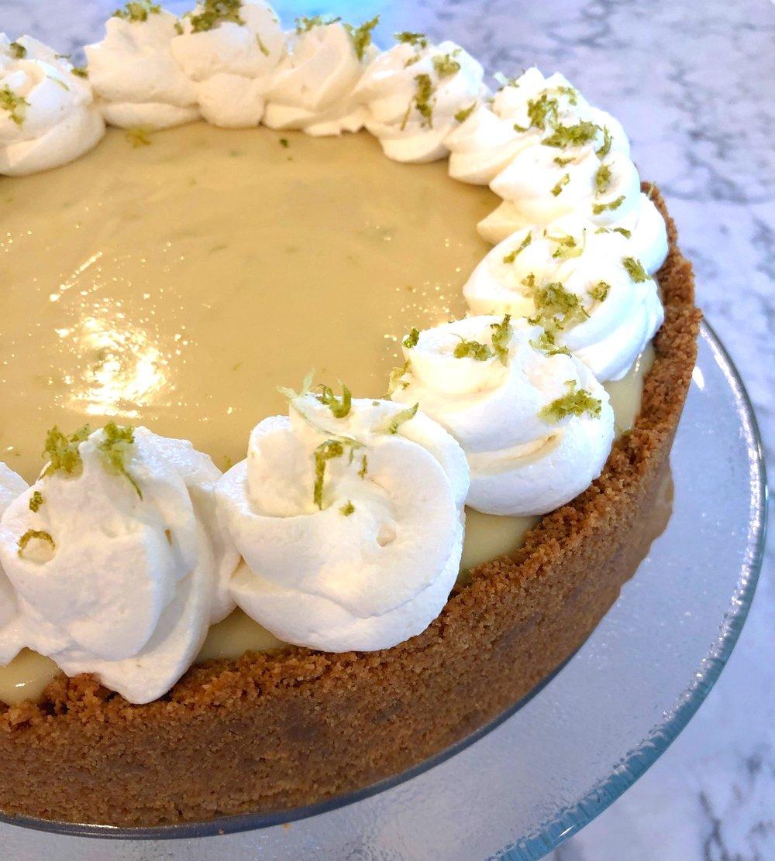 desocio in the kitchen Key lime pie