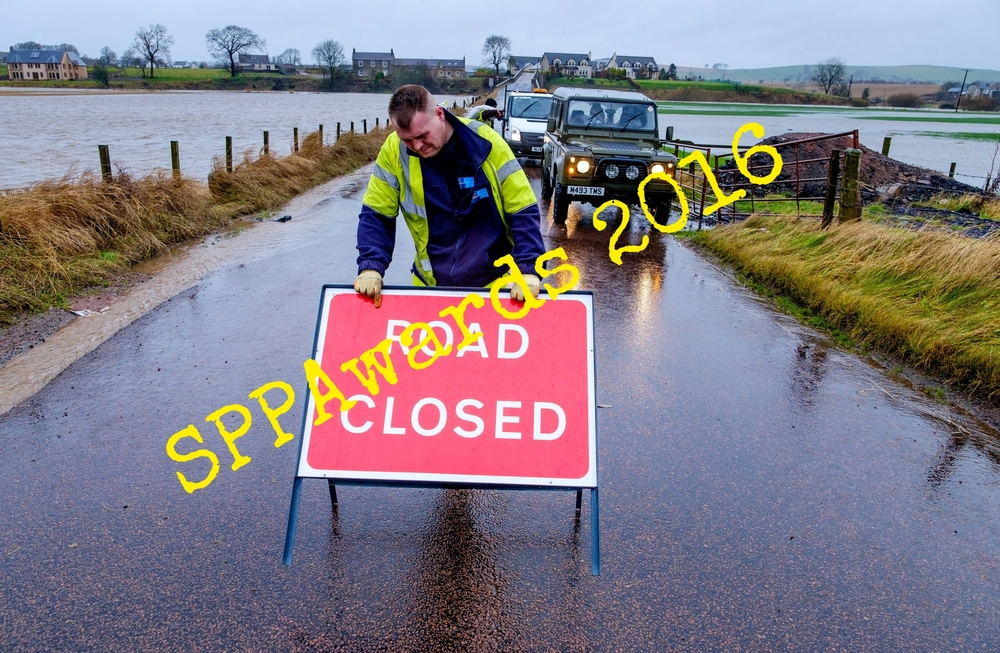 Clyde road closed.jpg