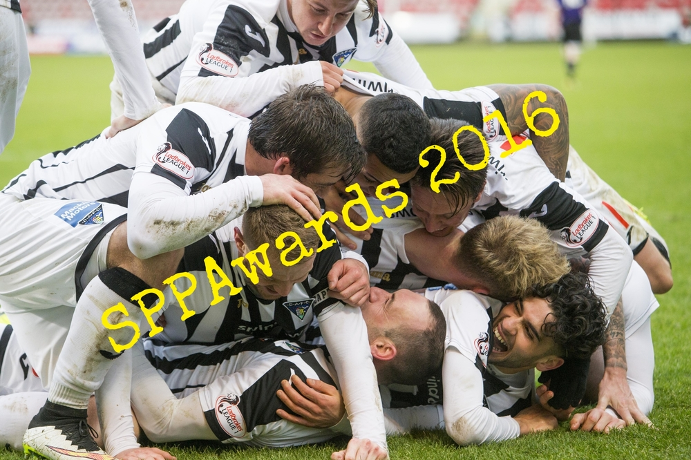 Sports Feature - Pile up 1.jpg