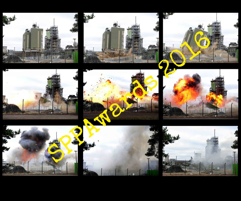 Reportage Ineos demolition by controlled explosion_011.jpg
