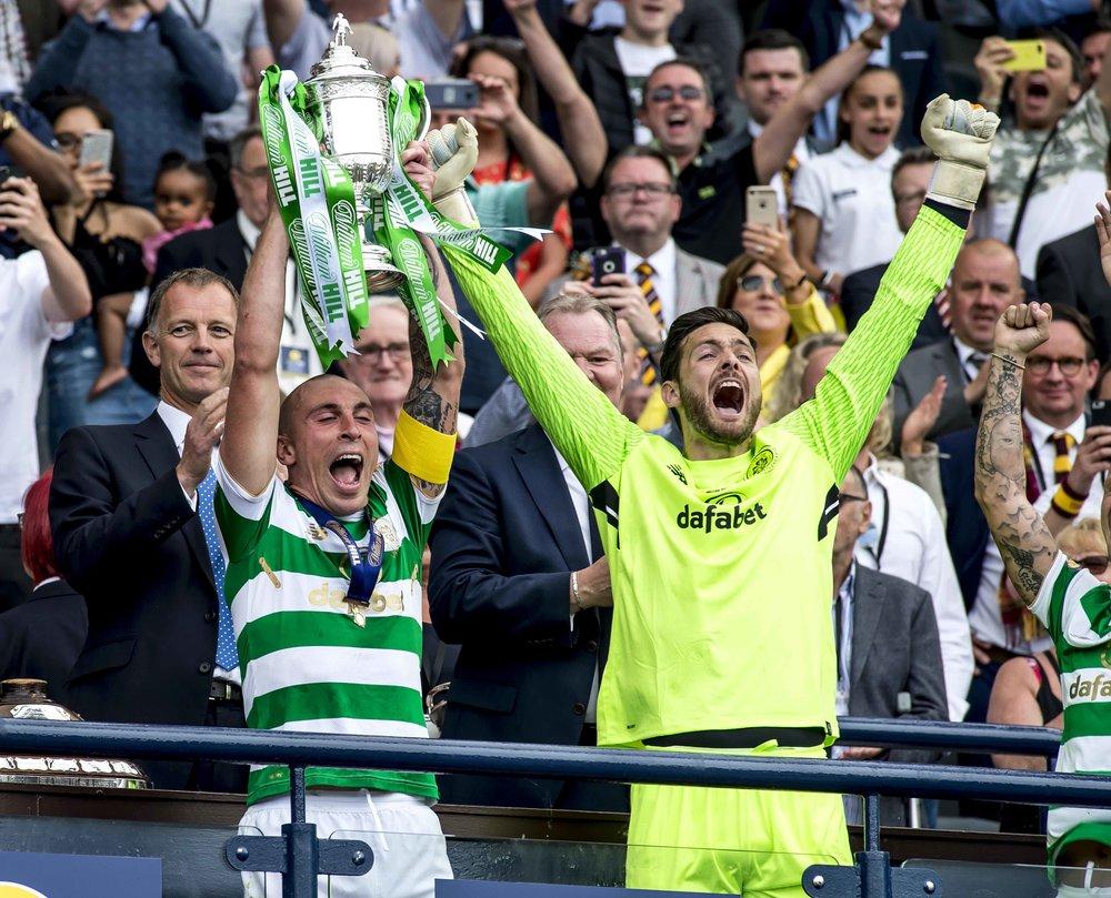 Celtic lift the Scottish Cup E.jpg