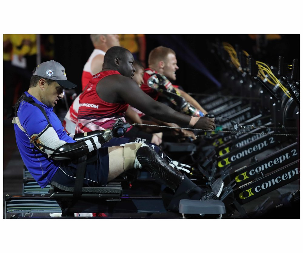 Sport - 1 Arm rowers E.jpg