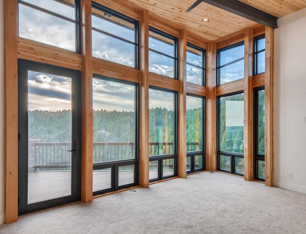 roen - living room windows.jpg