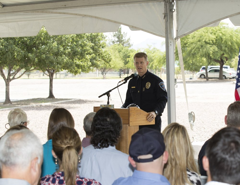 Marana Police Chief Terry Rozema speaks to the crowd.