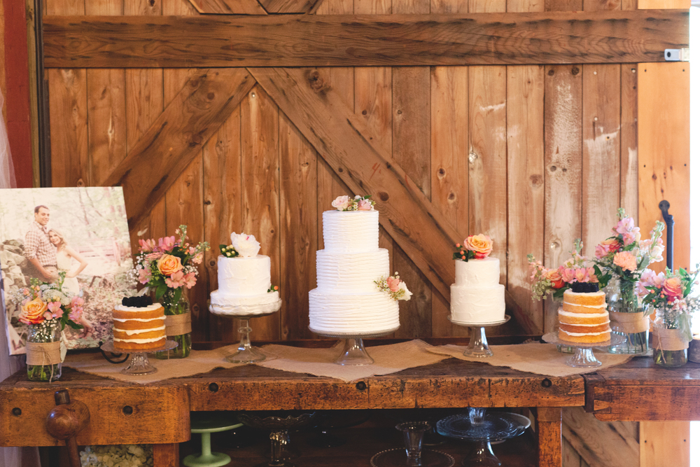 Assorted Cake Table Flowers (Photo Credit: Sonlight Imaging)