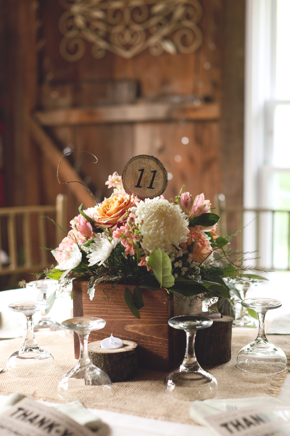 Soft Pastel and White Centerpiece (Photo Credit: Sonlight Imaging)