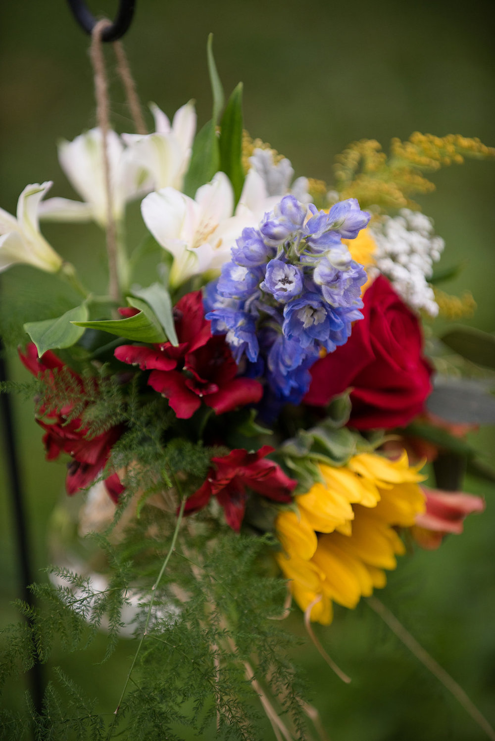 Natural Assortment Ceremony Florals (Photo Credit: Karlo Photography)
