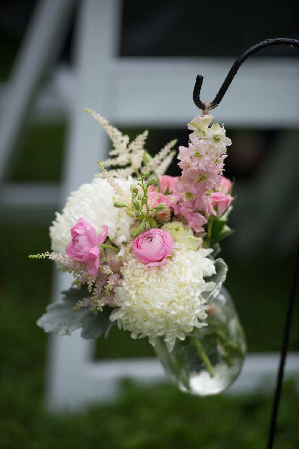 White and Pink Ceremony Flowers (Photo Credit: Amberlee Christey Photography)