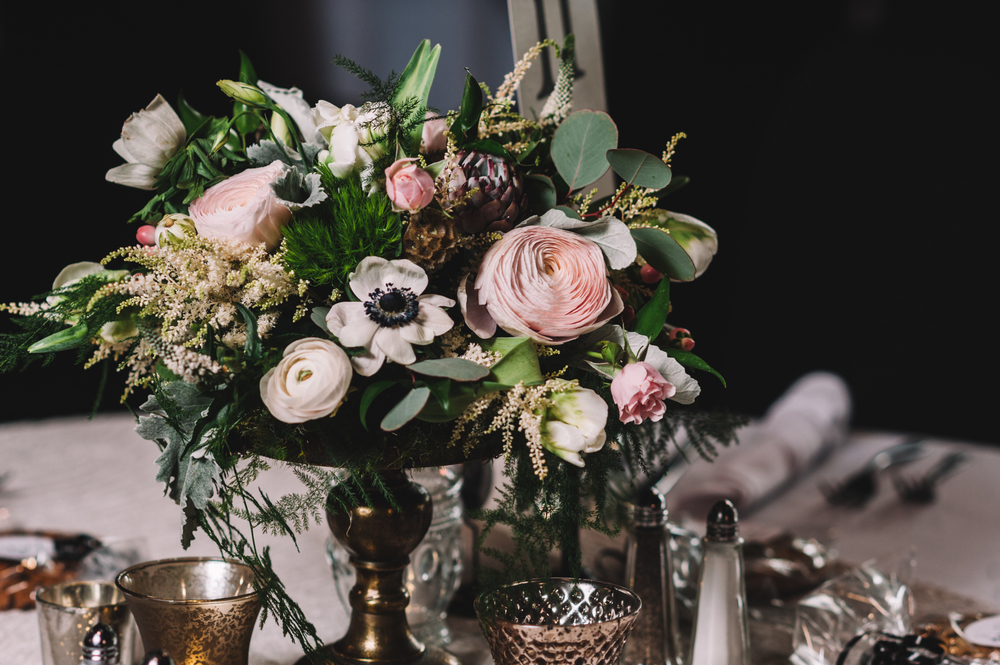 Photocredit: Shannon Gray         Our short pedestals make a big impact with these gorgeous stems.  The                                                        size is perfect for creating an opulent look without a centerpiece so                                                                        large it blocks conversation between guests.