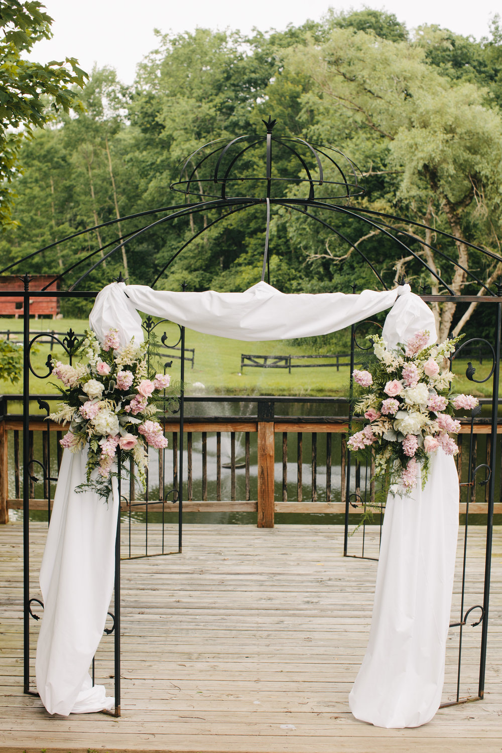 Floral Arbor (Photo Credit: Derek+Diane)