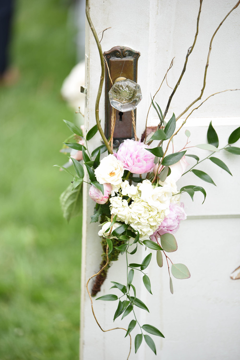 Ceremony Florals (Photo Credit: Britani Edwards Photography)
