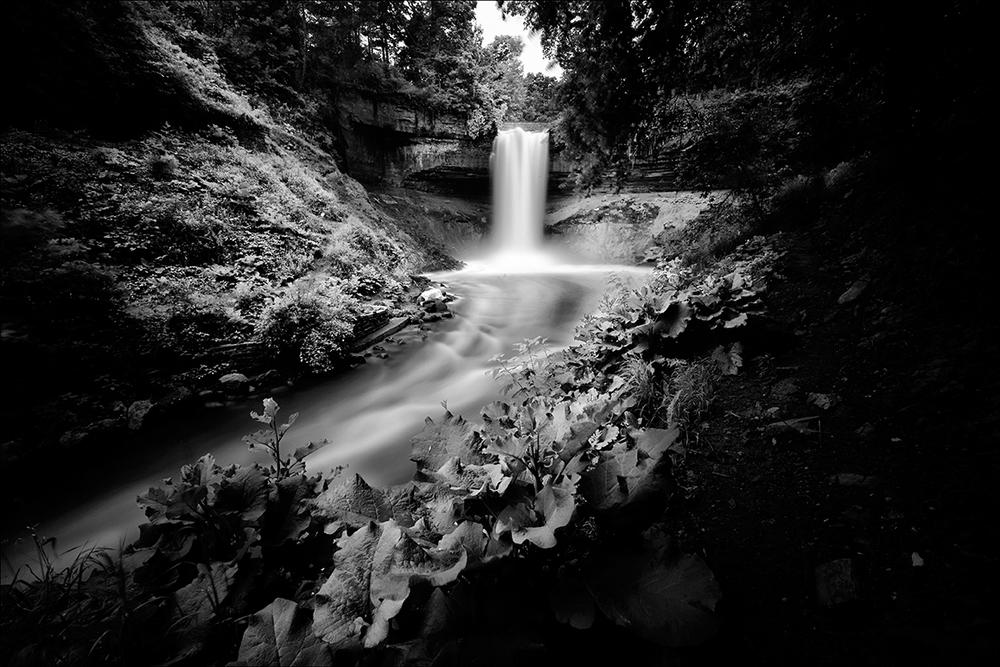 Minnehaha Falls BW.jpg