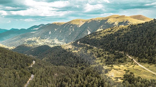ChooseYourPath.  #landscapephotography #prettysweetview #catalonia #mountains #intothewild #adventures #explore #beauty #mothernature #findpeace