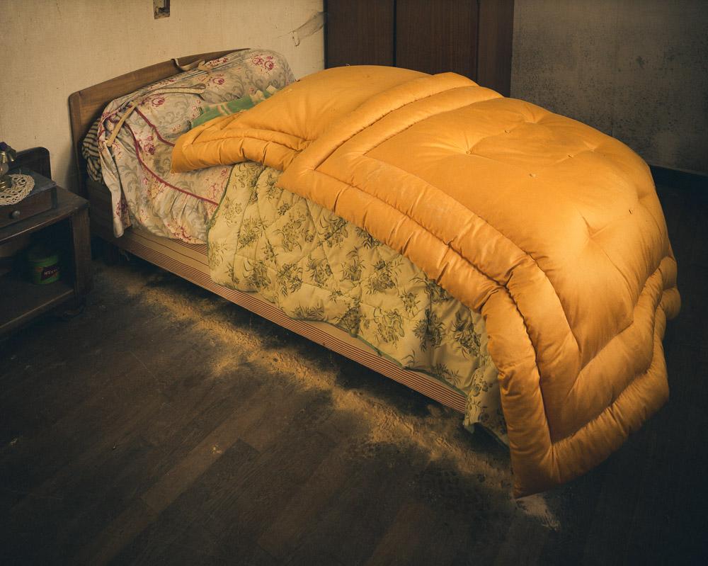 Lieux abandonnés - la maison de Daniel - lit vermoulu