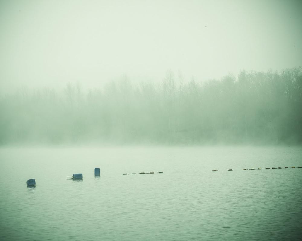 Lieux abandonnés - le bon chemin - flotteurs sur le lac