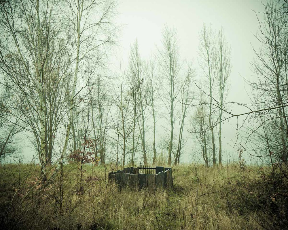 Lieux abandonnés - le bon chemin - tombe du pêcheur