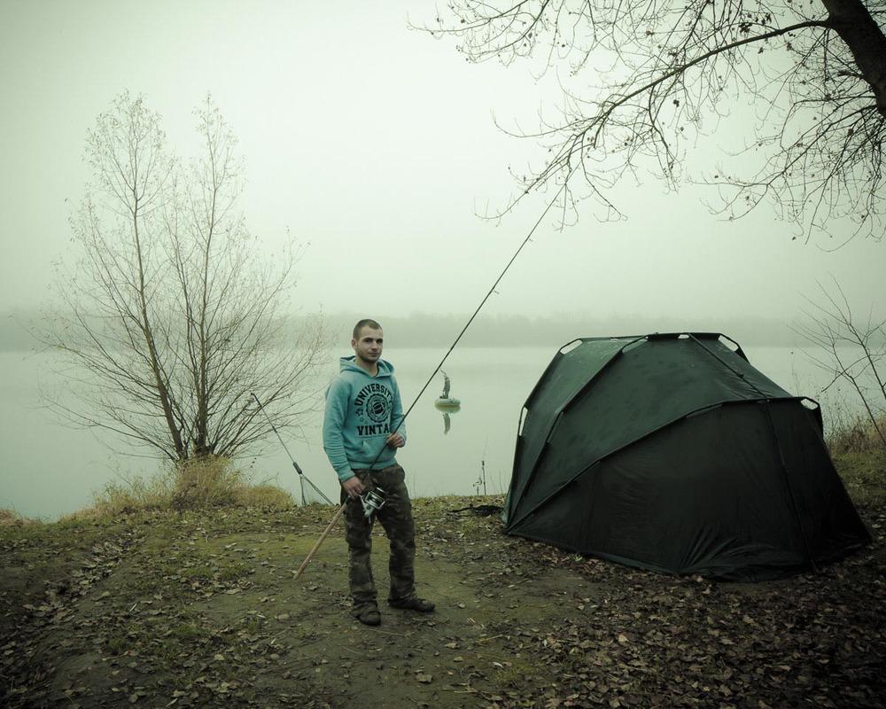 Lieux abandonnés - le bon chemin - pêcheur et sa toile de tente
