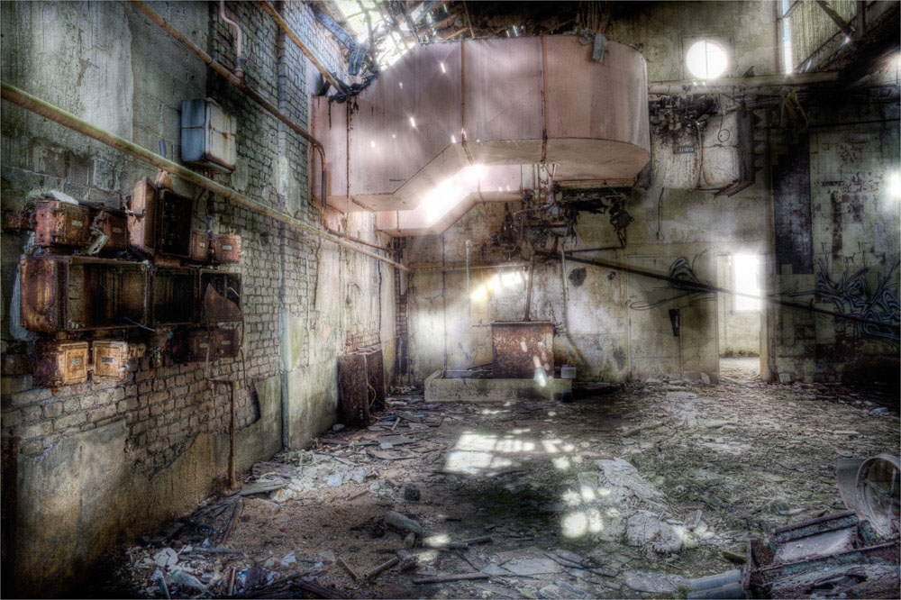 Lieux abandonnés - la filature Badin à Barentin - lumière divine