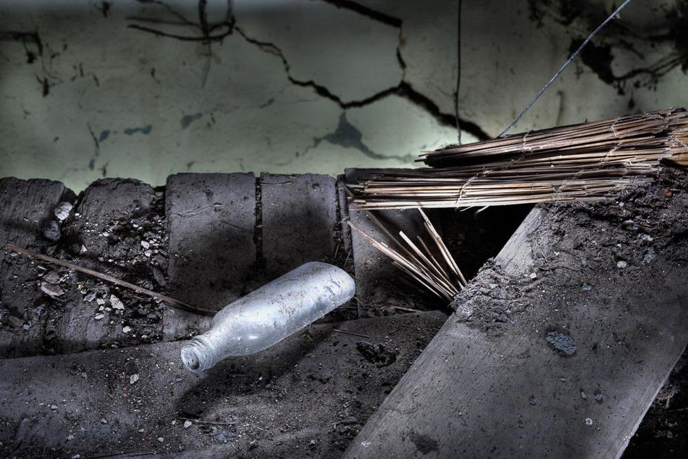 Lieux abandonnés - Cabane de pêcheur - la flasque de gnôle