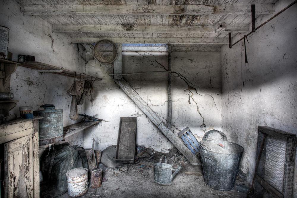 Lieux abandonnés - Cabane de pêcheur - le rez de chaussée