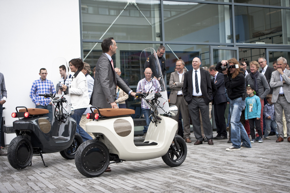 Be.e-frameless-biocomposite-electric-scooter-design-by-waarmakers-launch 1.jpg