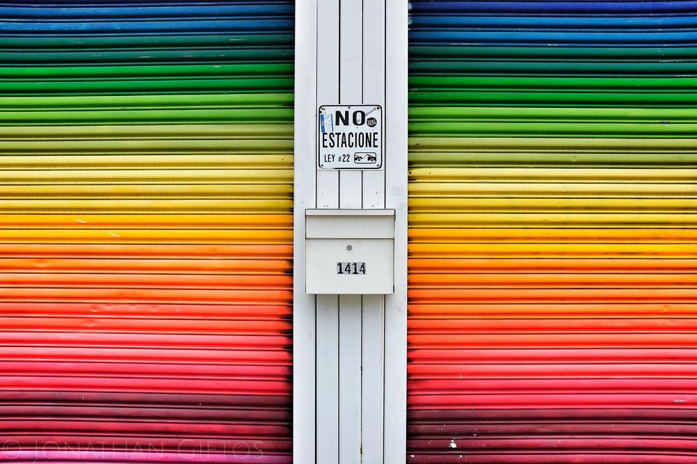 Muchos Colores. No parking. (2015)