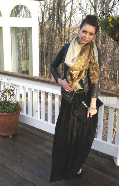 St. Louis Fashion Blogger Style Black Pleated Maxi Skirt
