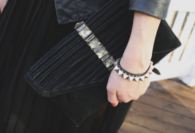 St. Louis Fashion Blogger Black Maxi Skirt