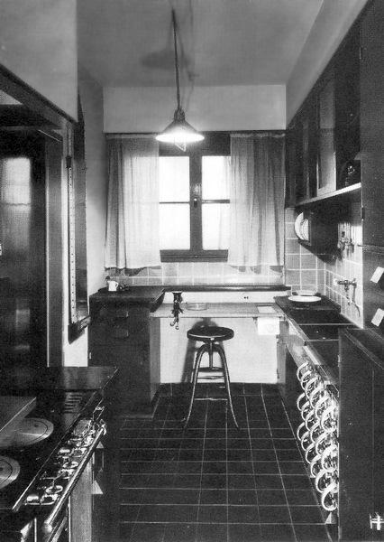 Frankfurter Küche (Margarete Schütte-Lihotzky, 1926)
