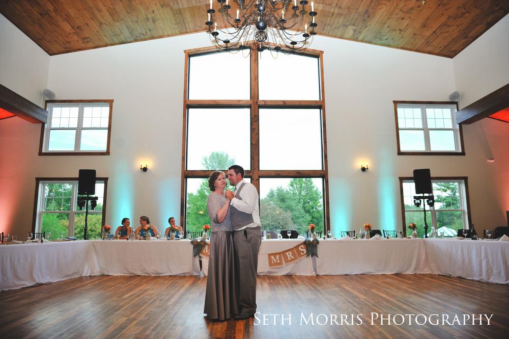 hornbaker-barn-wedding-photo-princeton-photographer-73.jpg