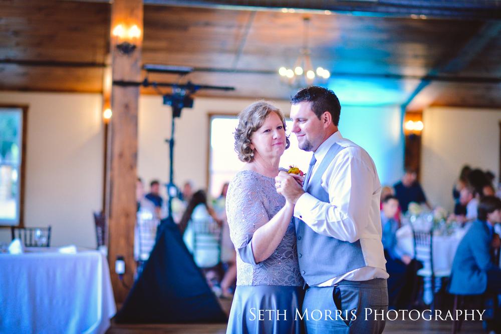 hornbaker-barn-wedding-photo-princeton-photographer-75.jpg
