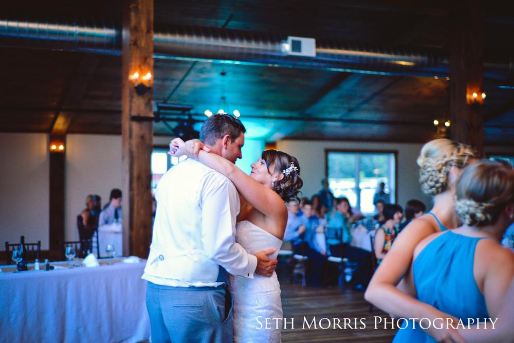 hornbaker-barn-wedding-photo-princeton-photographer-89.jpg
