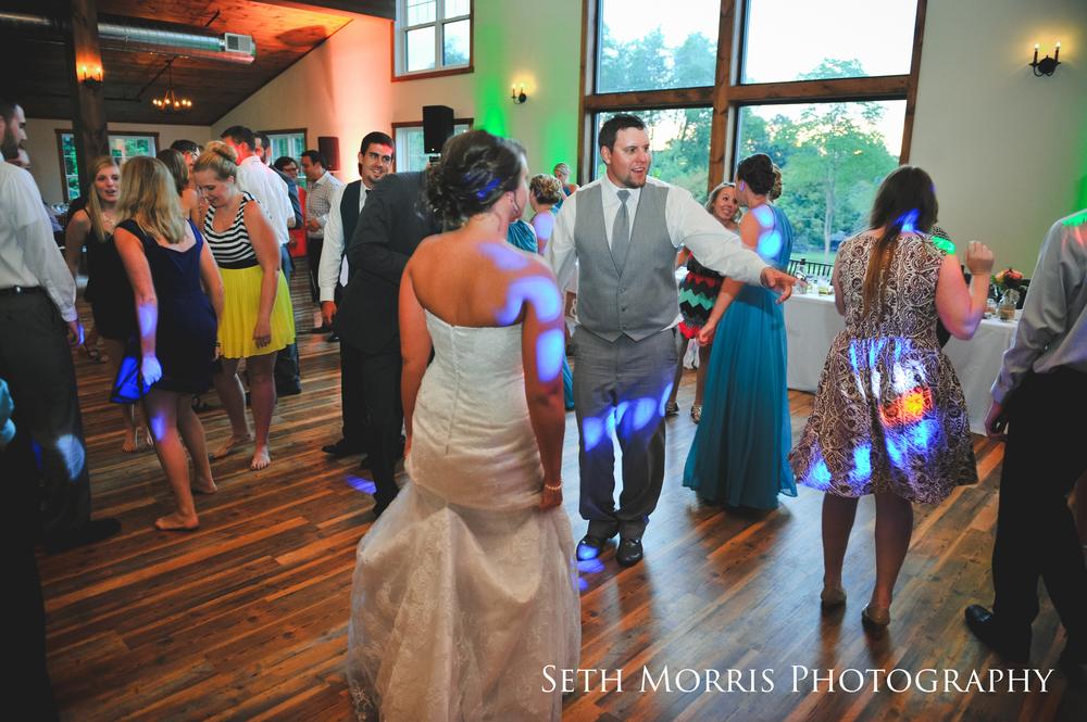 hornbaker-barn-wedding-photo-princeton-photographer-98.jpg