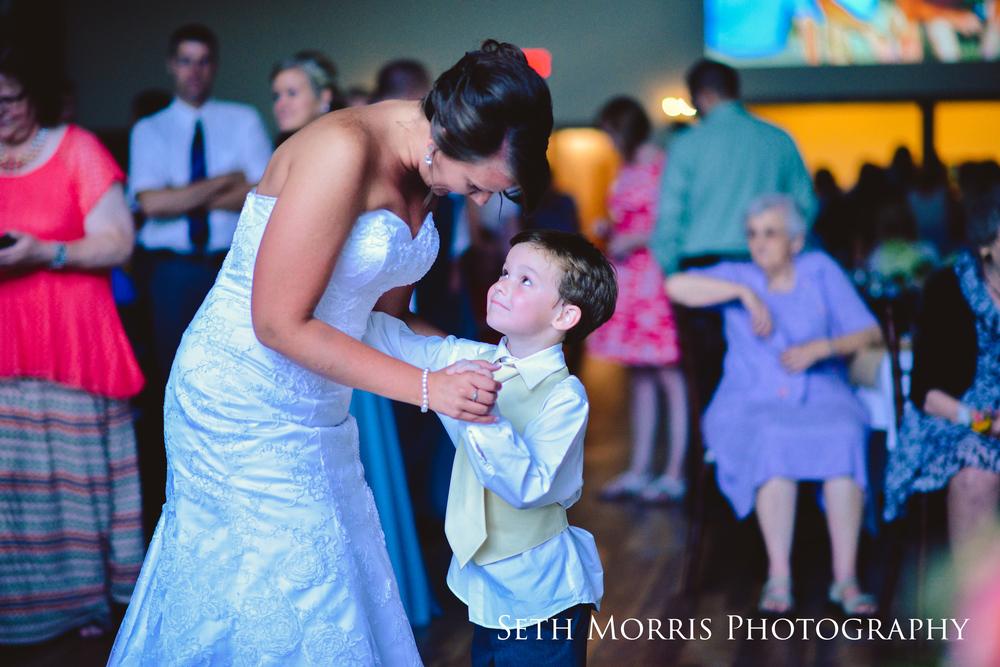 hornbaker-barn-wedding-photo-princeton-photographer-79.jpg