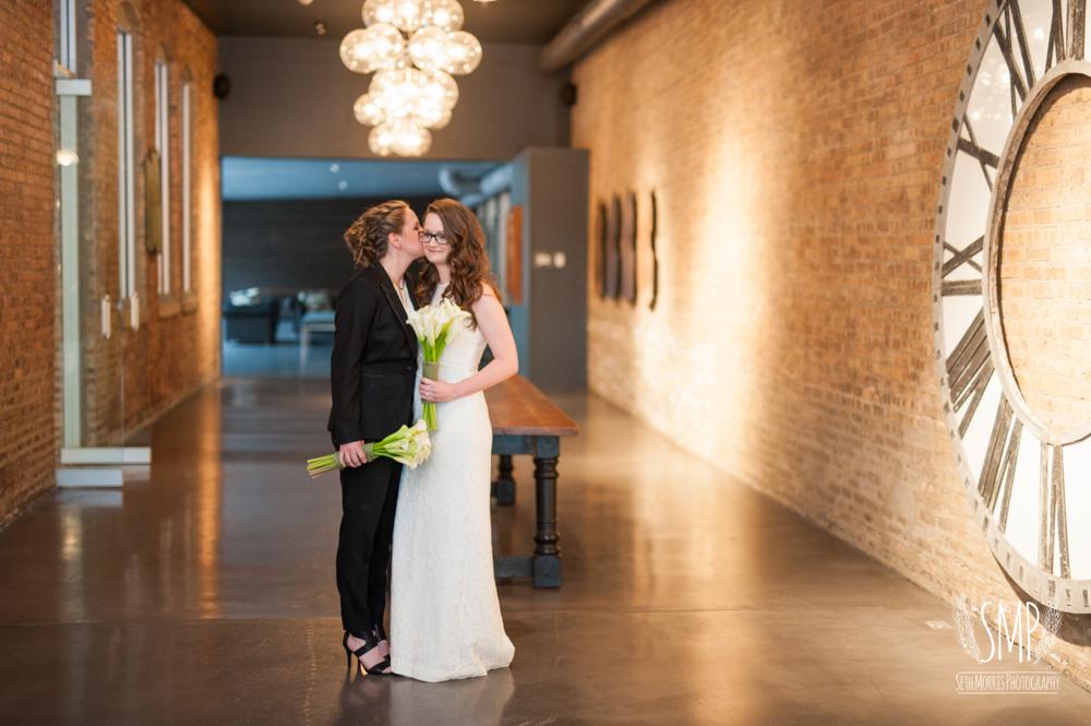 chicago-lesbian-wedding-architechural-artifacts-31.jpg