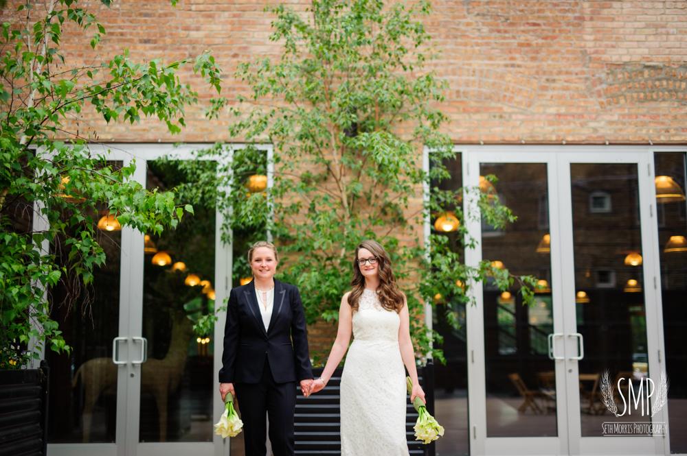 chicago-lesbian-wedding-architechural-artifacts-39.jpg