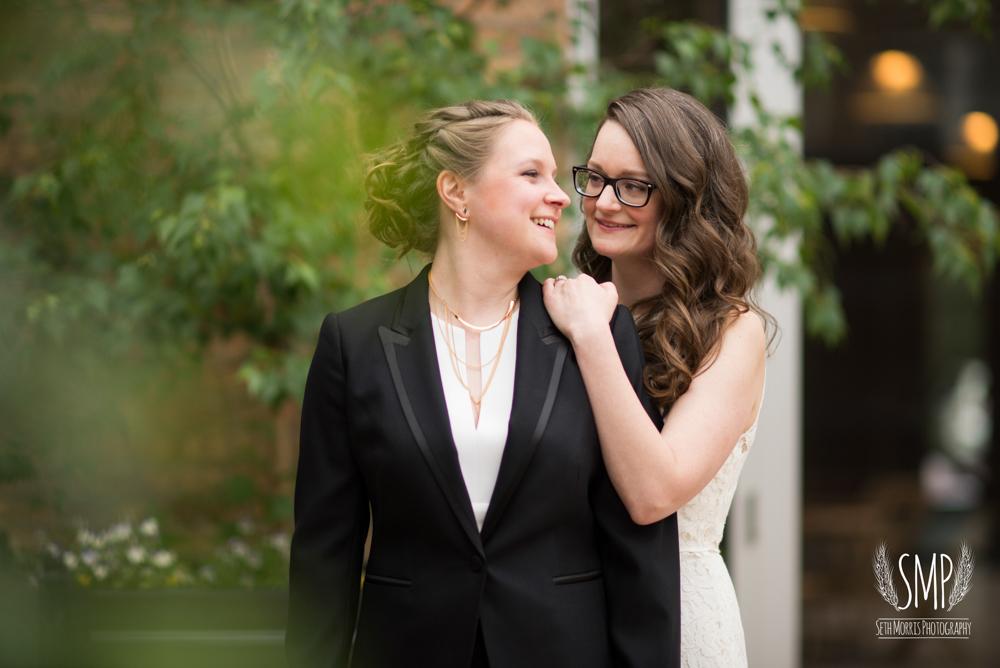 chicago-lesbian-wedding-architechural-artifacts-38.jpg