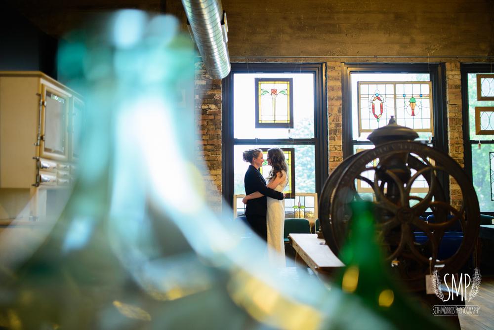 chicago-lesbian-wedding-architechural-artifacts-46.jpg
