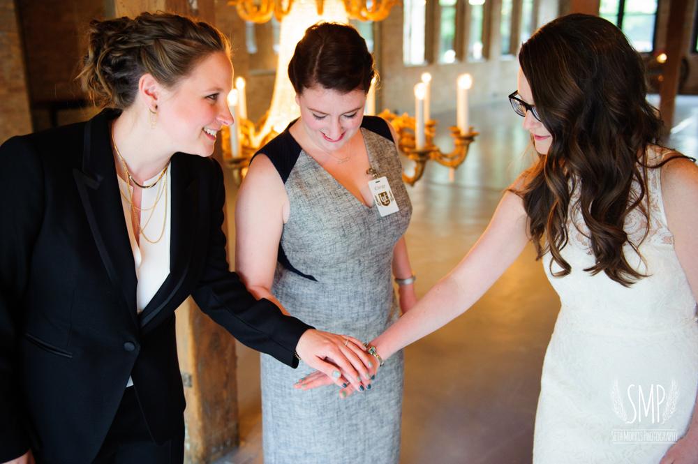 chicago-lesbian-wedding-architechural-artifacts-54.jpg