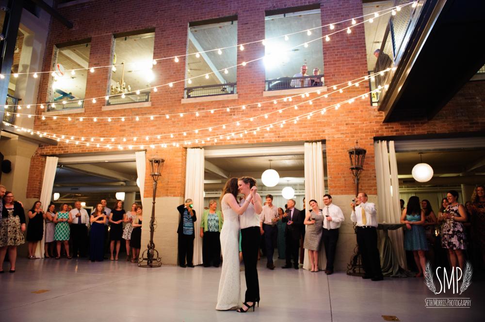 chicago-lesbian-wedding-architechural-artifacts-77.jpg
